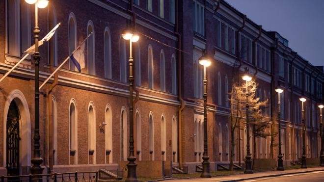 В двух микрорайонах Петергофа пройдет реконструкция наружного освещения