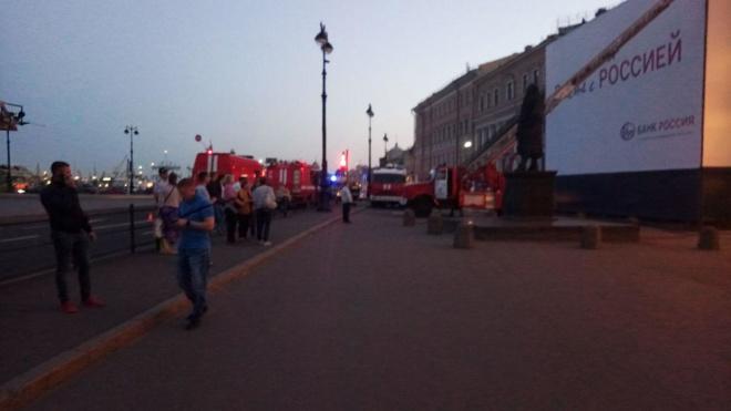 """Пожар в """"Доме Черкасского"""": СМИ предъявляют претензии владельцу здания"""