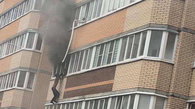 Стали известны подробности пожара в жилом доме в Мурино
