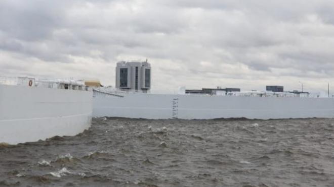 В Петербурге уровень воды резко приблизился к 124 сантиметрам