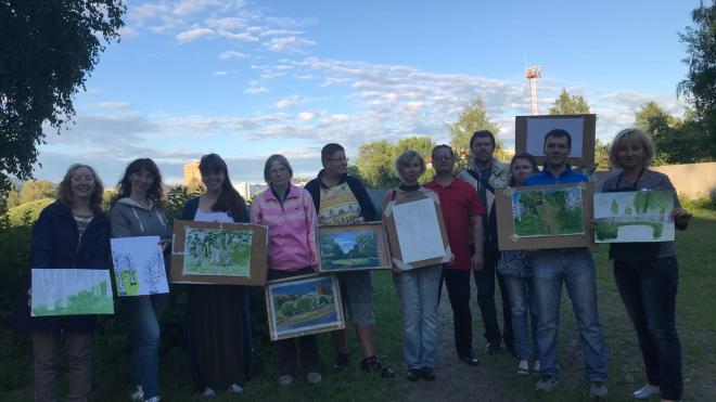 Защитники Муринского парка посвятили зеленой зоне картины
