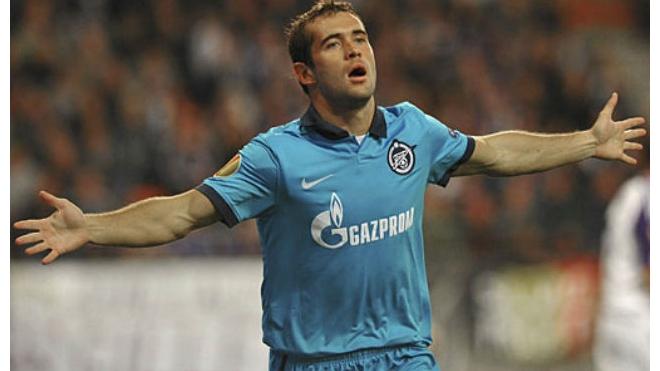 Кержаков во время матча Россия - Азербайджан стал лучшим бомбардиром российской сборной