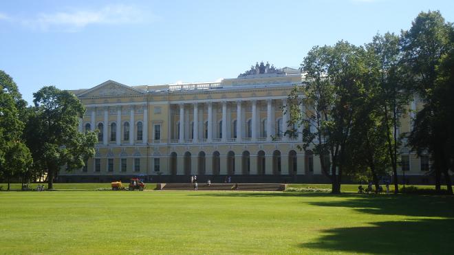 Сотрудники Русского музея обеспокоены сохранностью предметов искусства из-за временного переезда