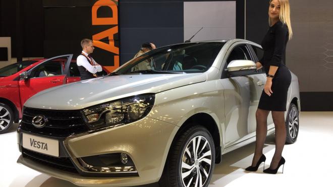 ТОП-5 любимых марок автомобилей для жителей Петербурга возглавила LADA