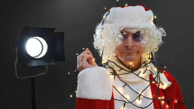 По Петербургу пробегут три тысячи Дедов Морозов