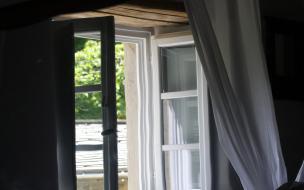 Из окна больницы на Гастелло выпала пациентка с психическим заболеванием