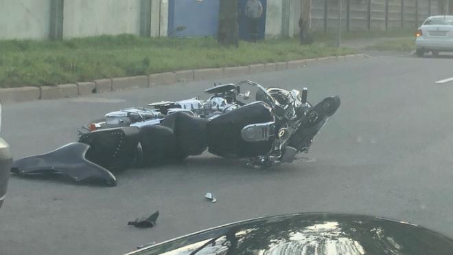 В Красногвардейском районе мотоциклист врезался в дерево