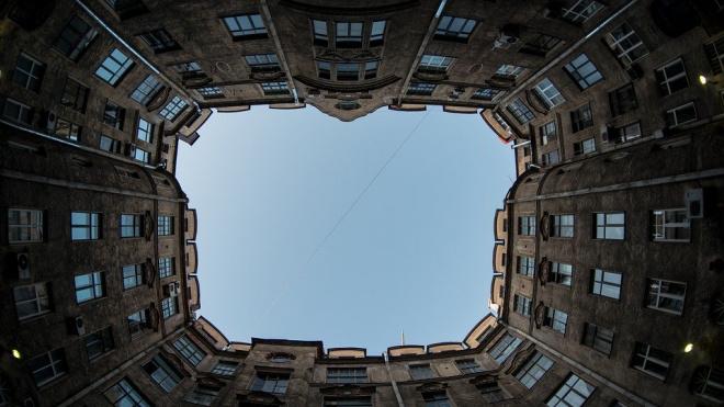 В Адмиралтейском районе отмоют более 700 фасадов домов