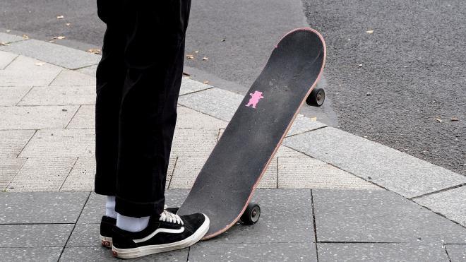 Скейтеры смогут кататься по постаментам памятников в Петроградском районе