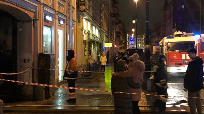 Пожар наулице Рубинштейна перекрыл движение в центре Петербурга