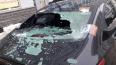 """""""Ледяные снаряды"""" бомбили десятки машин в Петербурге"""
