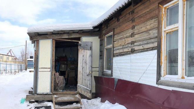 В Якутске мужчина убил двух взрослых и двух детей