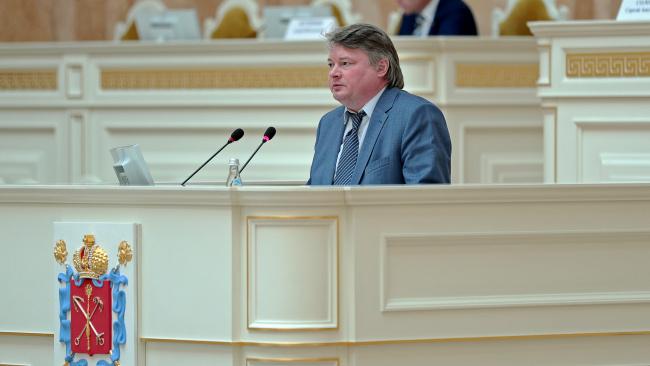 ЗАКС Петербурга принял сегодня в первом чтении пакет расширения антивирусных мер