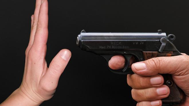 После выстрела частного детектива в больнице скончалась петербурженка
