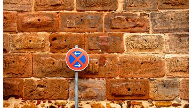 В Петербурге из-за Кубка конфедераций установят множество знаков, запрещающих остановку транспорта