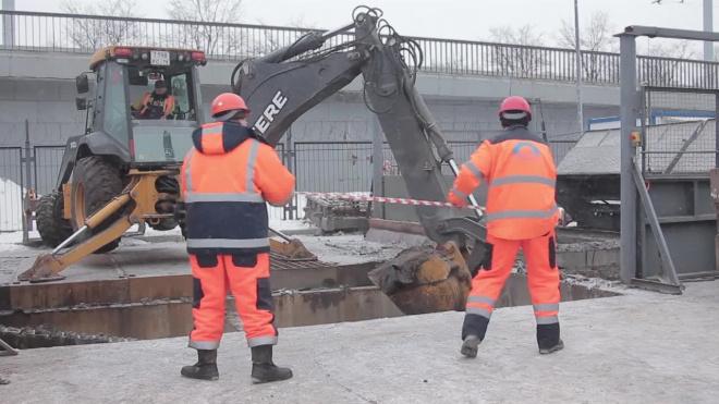 Из-за ремонта КАД в Петербурге собралась 11-ти километровая пробка