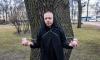 ВИЧ-положительный активист испробовал предложение Петра Толстого излечиться боярышником и корой дуба