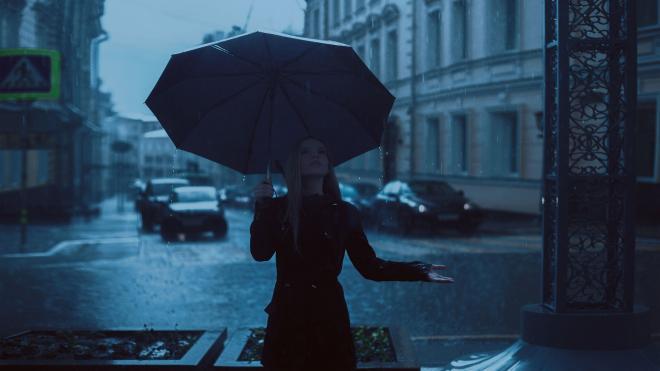 Петербуржцев предупреждают о мощном ливне в субботу