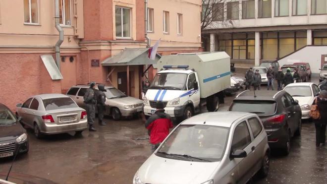 В Петербурге задержали двух майоров за взятку в 30 тысяч рублей