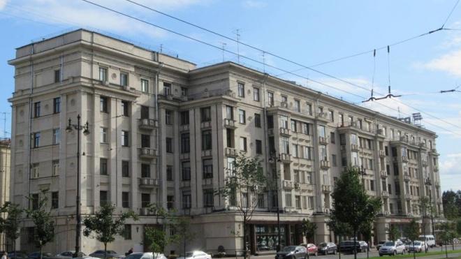 Два жилых дома Ленсовета на Московском проспекте стали памятниками