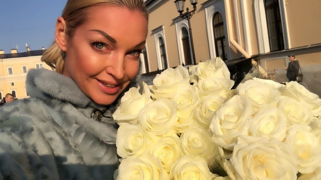Волочкова оставила больного отца в пансионате