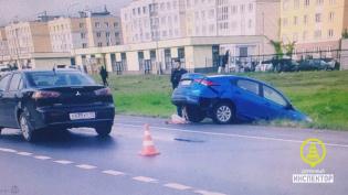 В Пушкине в ДТП с таксистом-мигрантом пострадала женщина