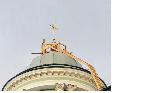 Колокольня Анненкирхе получила свой крест обратно спустя 80 лет