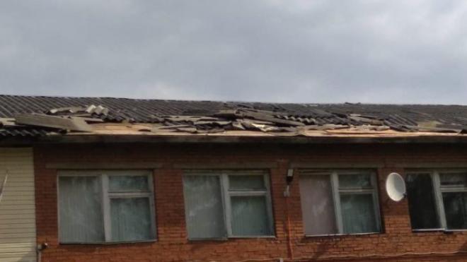 В Волховском районе восстанавливают школу после удара шаровой молнии