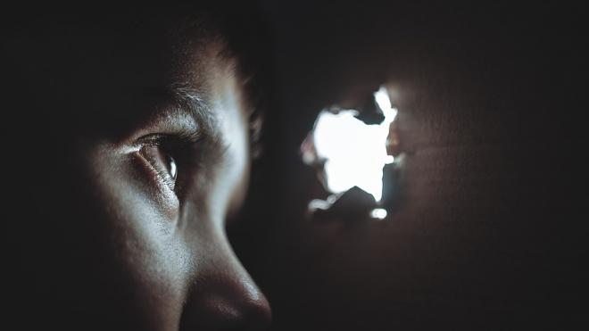 В Петербурге психотерапевт-педофил около года издевался над 10-летним пациентом