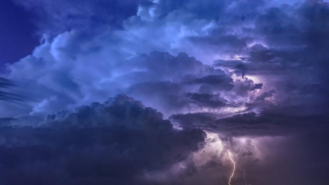 В понедельник в Северной столице объявлено штормовое предупреждение