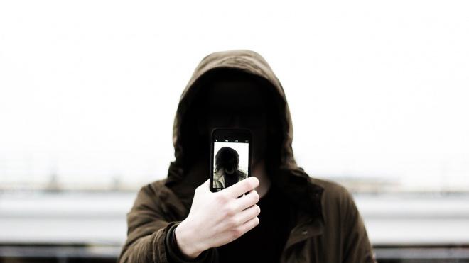 В Невском районе вор похитил мобильных телефонов на 87 тысяч рублей