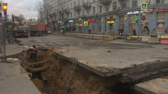 Ремонт газопровода ограничил движение в Невском районе