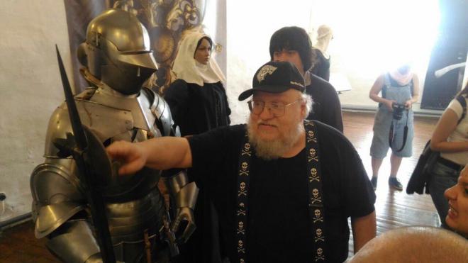 Фото из Выборга: Джордж Р. Р. Мартин приехал в Россию