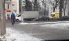 В Петергофе водителю грузовика из Пензы стало плохо: машина въехала в ограждение