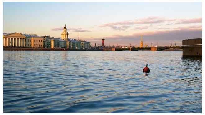 В Петербурге из Невы выловили мертвого мужчину