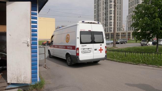 Кассир попытался изнасиловать гражданку Белоруссии в парадной на 12-й Красноармейской