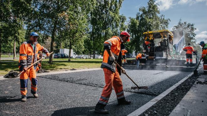 В Адмиралтейском и Центральном районах Петербурга отремонтируют три дороги