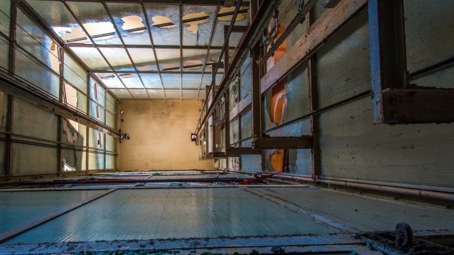 СК возбудил дело после падения лифта в роддоме Петербурга