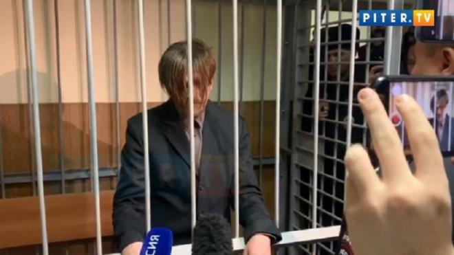 Супруга обвиняемого в педофилии жителя Химози не явилась в суд