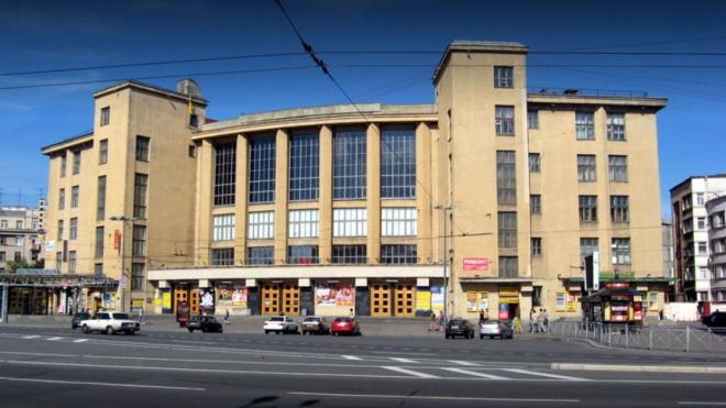Знаменитые артисты попросили Беглова спастиДК имени Горького