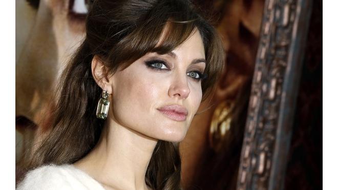 Родная тетя Анджелины Джоли умерла от рака груди