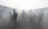 В митингующих петербуржцев бросили дымовою шашку
