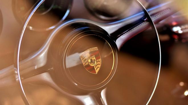 Porsche влетел в китайское авто в Выборгском районе