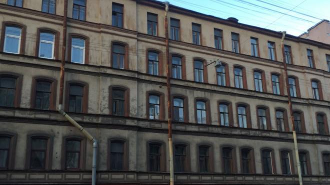 Из дома на улице Жуковского эвакуировали жильцов из-за пожара