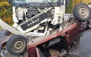 """В Карелии на трассе """"Кола"""" в ДТП с грузовиками погиб водитель легковушки"""