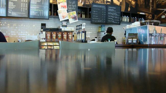 В КНР возобновляют работу кофейни Starbucks