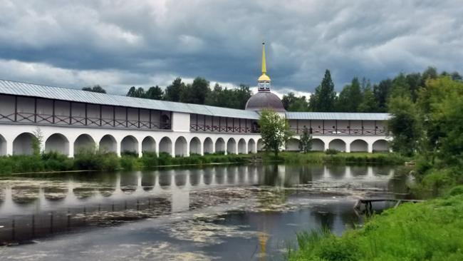 Фонд капремонта Ленобласти потребовал 3 млн рублей за задержку ремонта домов в  Тихвинском районе