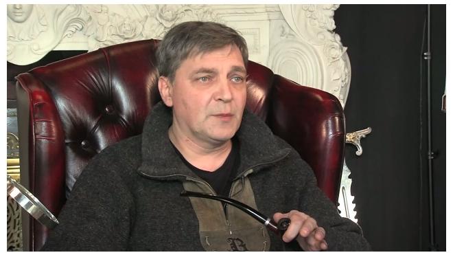 В прямом эфире канала Piter.TV разговор с Александром Невзоровым о проблемах современного общества