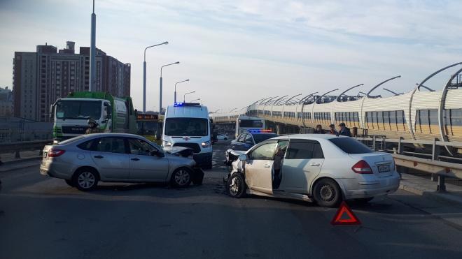 Двое серьезно пострадали в ДТП на Планерном путепроводе