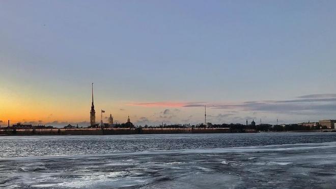 Облака ограничат приток солнечного света в Петербурге 25 марта
